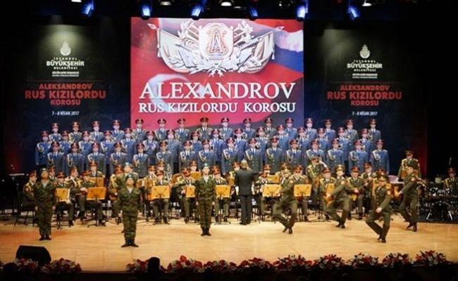 Rus Kızılordu Korosu İstanbul' da Konser Verdi