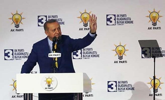 Cumhurbaşkanı Erdoğan yeniden partisinin başında